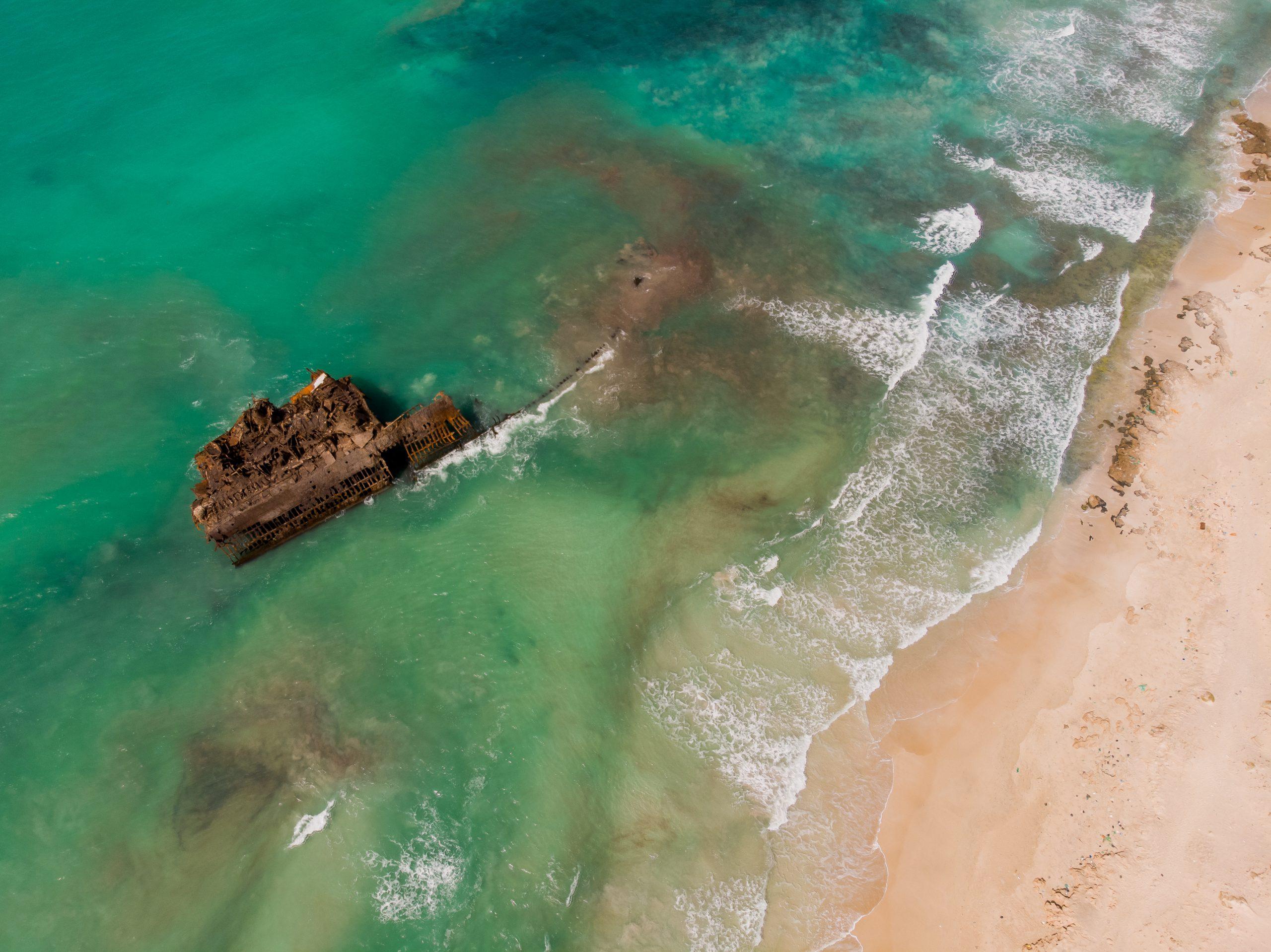 Cabo de Santa Maria - wrecked boat